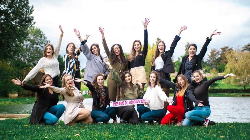 Affiches de Soutien des Candidates de Miss Pays du Lyonnais 2020